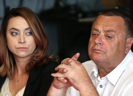 Суд обязал Дмитрия Шепелева и родителей Жанны Фриске вернуть