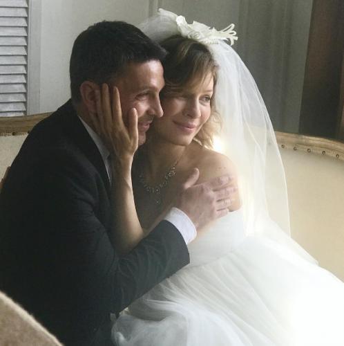 Беременная Елена Подкаминская надела свадебное платье еще раз